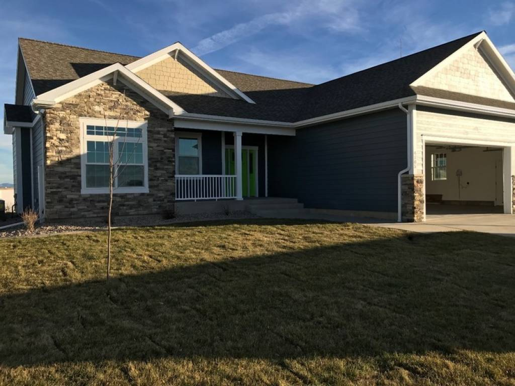 4105 12th st great falls mt 59404 off market nystatemls listing 10373048 - The living room great falls mt ...